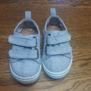 Boy's preowned Tom's shoes 4 $ 15.00 # 1430